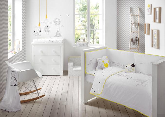 colección Good Night en color blanco y amarillo ropa de cuna